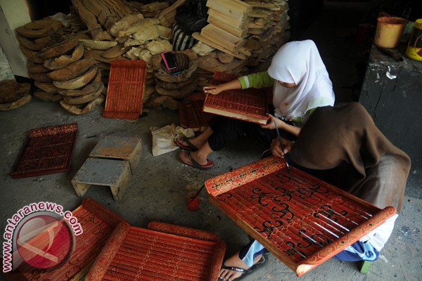 Desa Wisata Krebet Antara News Yogyakarta Berita Terkini Batik Kayu