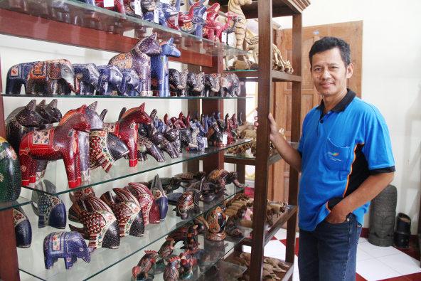 Desa Wisata Krebet Tonjolkan Batik Kayu Swa Id Kemiskidi Kreasi
