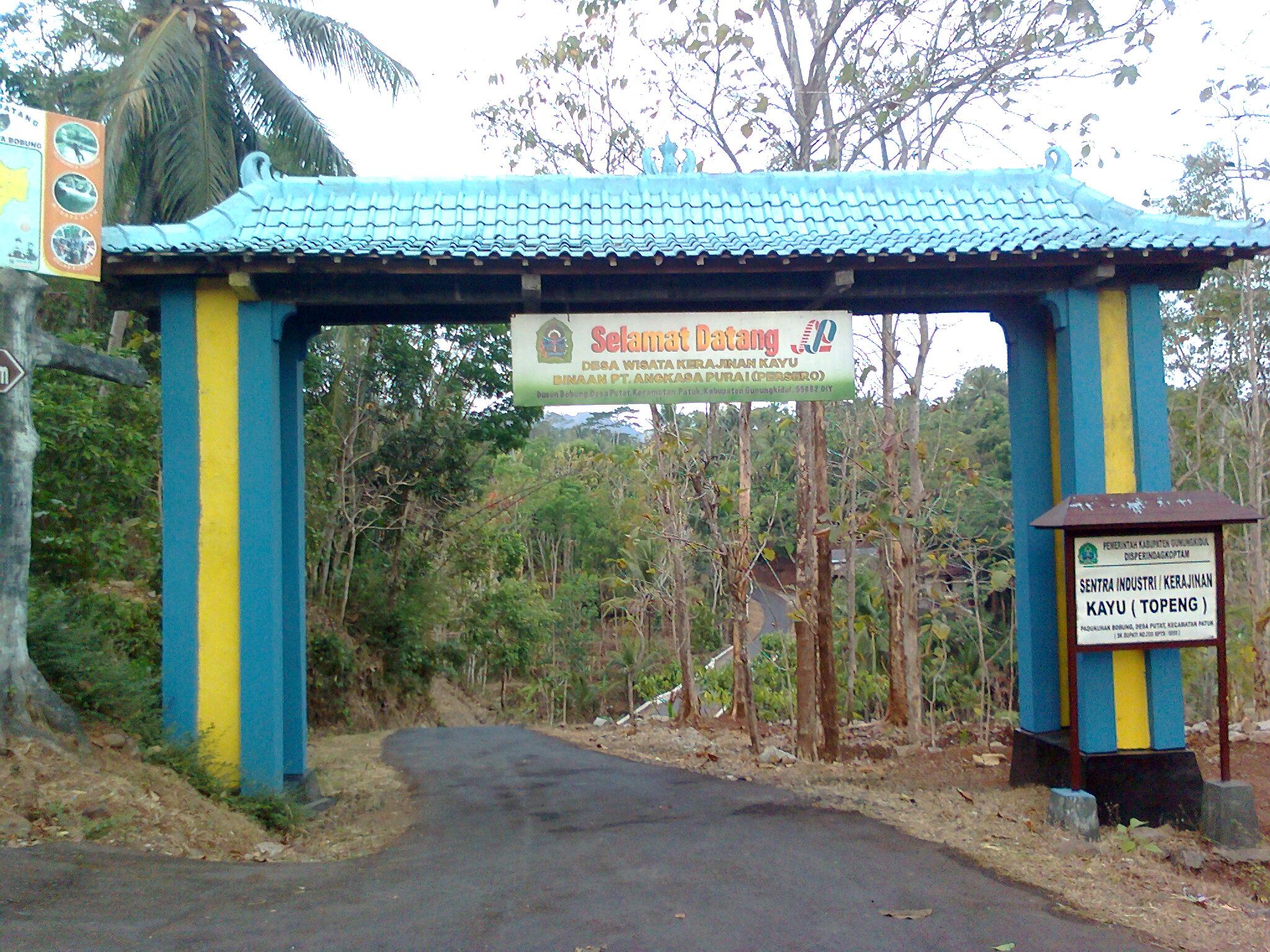 Desa Wisata Pucung Patung Primitif Yogyakarta Belajar Berkreasi Seni Batik