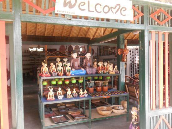 Gapura Desa Wisata Krebet Picture Bantul Batik Village Salah Satu