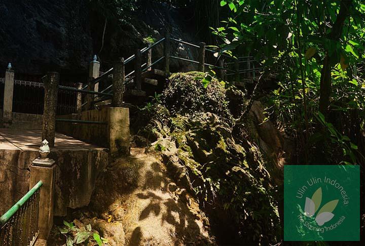 Wisata Goa Selarong Tempat Persembunyian Pangeran Diponegoro Ba Bantul Jogja