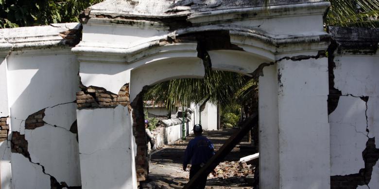 Bukan Gempa Tetapi Bangunan Membunuh Yogyakarta Kompas Makam Raja Imogiri