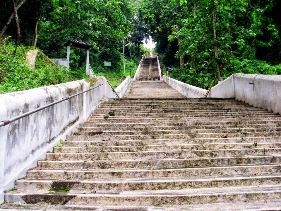 Makam Imogiri Raja Mataram Tanah Jawa Sebelum Memasuki Terdapat Anak