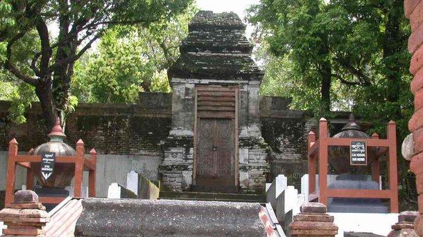 Makam Raja Mataram Imogiri Dinpar Berlokasi Dusun Pajimatan Desa Wukirsari
