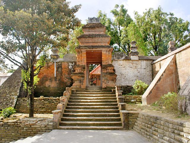 Mengunjungi Makam Raja Imogiri Tempat Pemakaman Keturunan Bangsawan Mataram Kab