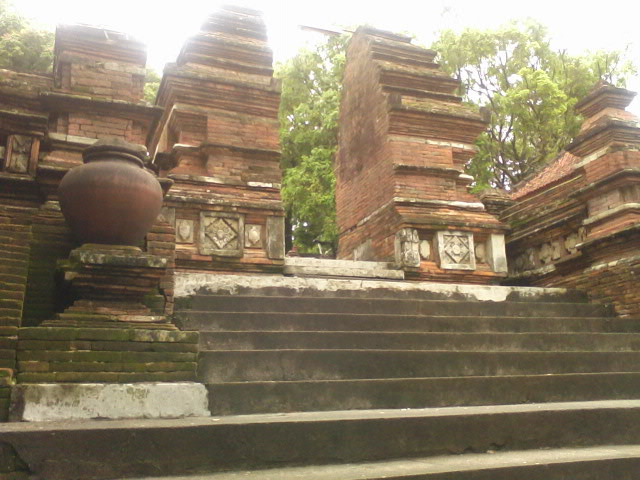 Pondok Dahar Lauk Jogja Pajimatan Imogiri Kompleks Makam Raja Pemakaman