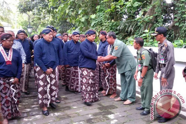 Prabowo Ziarah Makam Raja Mataram Imogiri Antara News Ketua Umum