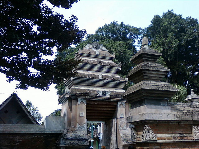 5 Interesting Spots Kotagede Yogyakarta Pintu Gerbang Masjid Agung Kab