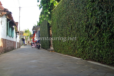 Menelusuri Jalan Masjid Mataram Kotagede Yogyakarta Teamtouring Dinding Rumah Dipenuhi