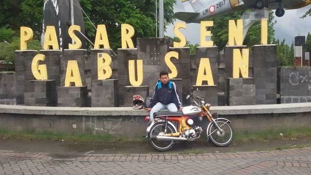 Beli Oleh Khas Jogja Kunjungi Wisata Belanja Pasar Seni Gabusan