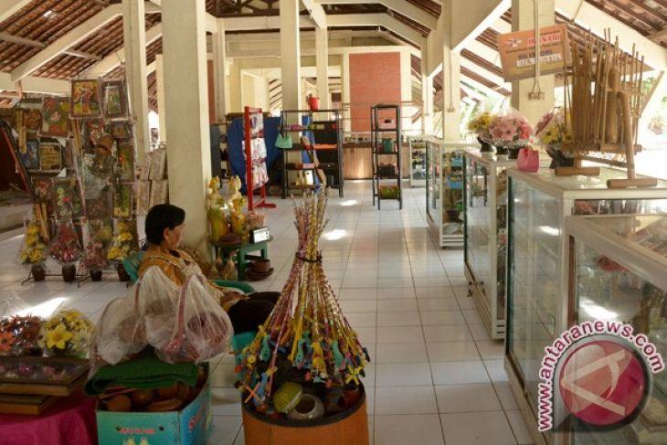 Disperindagkop Larang Manajemen Pasar Gabusan Tarik Retribusi Sepi Pembeli Endang