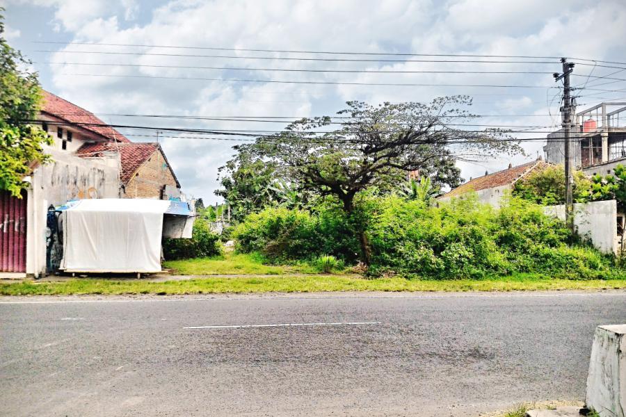 Tanah Dijual Pekarangan Mangku Aspal Selatan Pasar Seni Gabusan Rumah