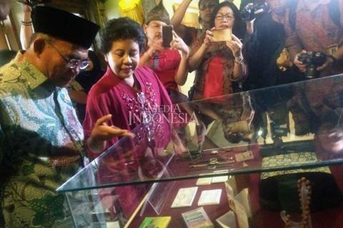 Mendikbud Apresiasi Museum Taman Tino Sidin Muhadjir Menandatangani Prasasti Peresmian