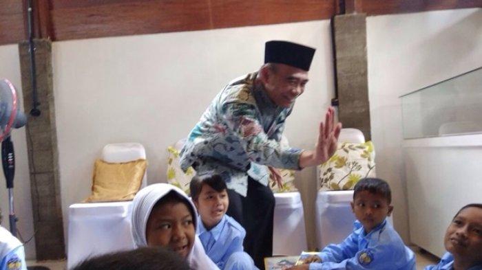 Mendikbud Berharap Muncul Tino Sidin Indonesia Tribun Taman Kab Bantul