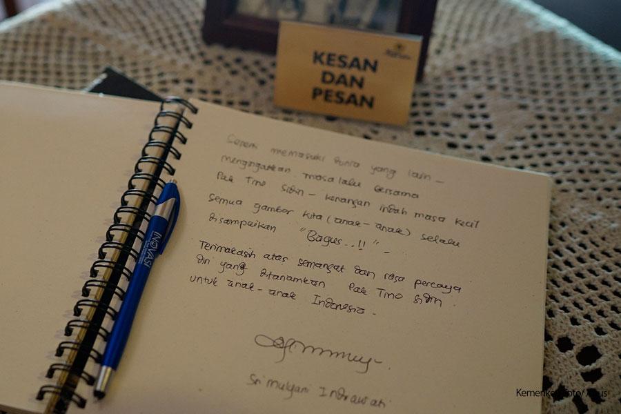 Menkeu Ceritakan Nilai Positif Tino Sidin Tulisan Tangan Sri Mulyani