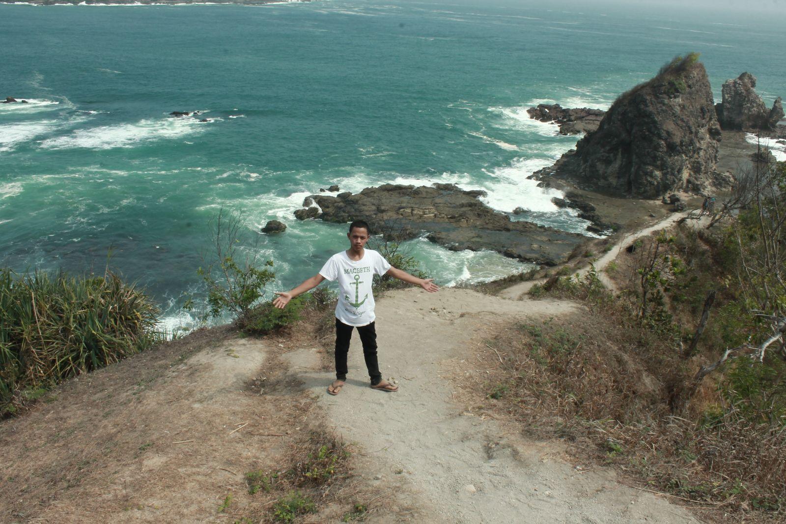 Jogja Wisata Abadi Pantai Watu Lumbung Tanah Lot Gunungkidul Keindahan