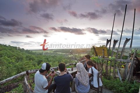 Kampung Edukasi Watu Lumbung Bantul Bersantai Sambil Belajar Matahari Terbenam