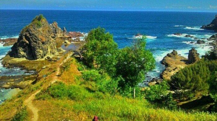 Pantai Watu Lumbung Surga Wisata Eksotis Tersembunyi Gunungkidul Kab Bantul