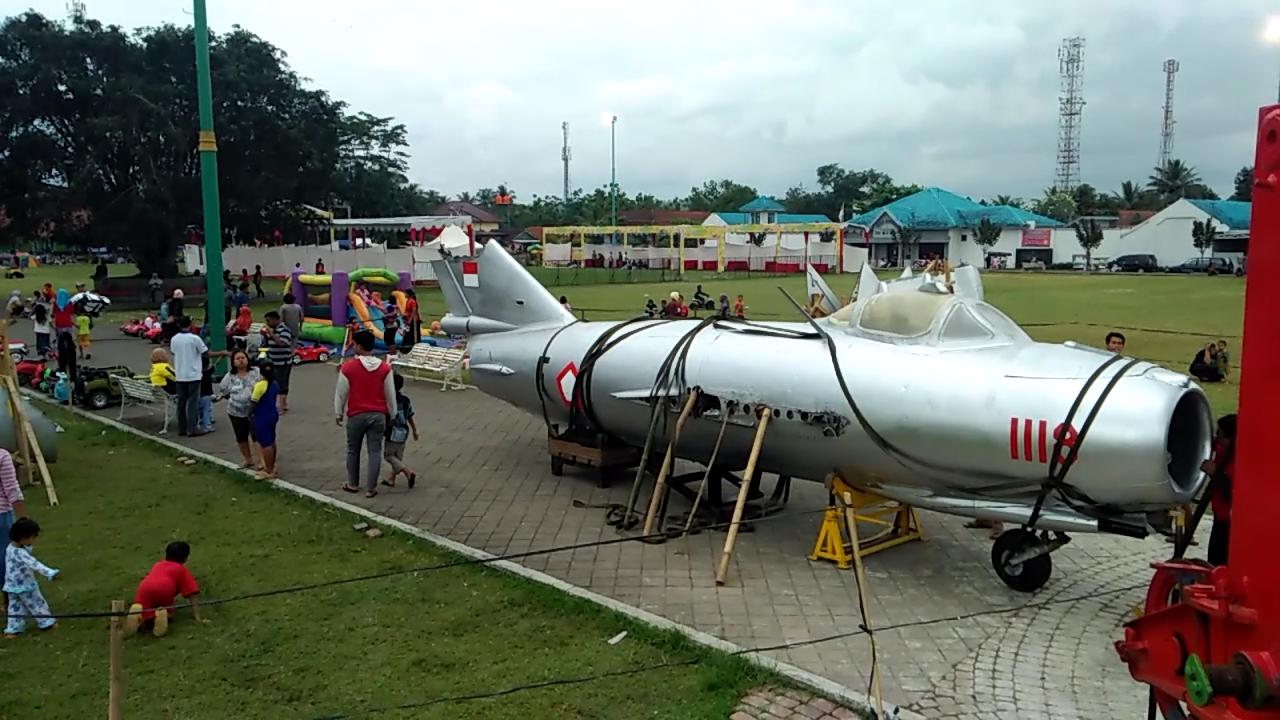 Love Purwokerto Wisata Pesawat Tempur Alun Banyumas Kab
