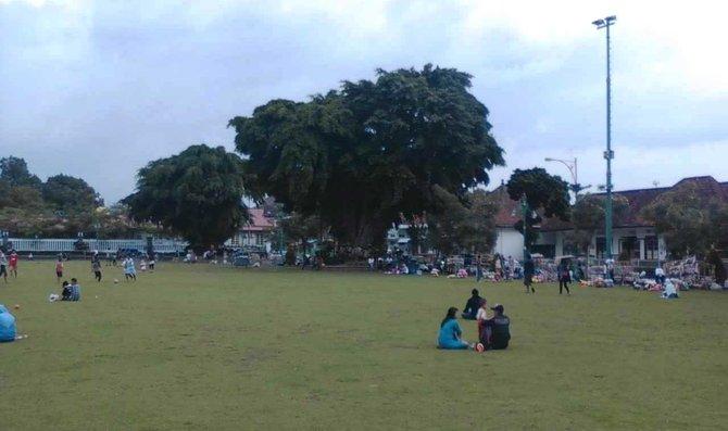 Pendopo Panji Tak Kuasa Melawan Supermall Merdeka Sebuah Mal Megah