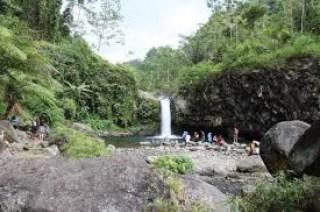 Curug Bayan Kalipagu Desa Ketenger Kecamatan Baturaden Kabupaten Banyumas Jawa