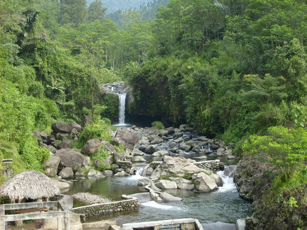 Baturaden Obyek Wisata Air Terjun Indah Kab Banyumas Goa Maria
