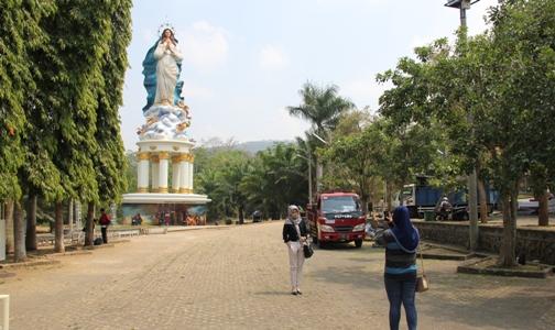 Berita Online Gereja Katolik Indonesia Tag Archive Gua Maria Kerep