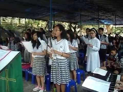 Siswa Siswi Smp Susteran Tugas Koor Gua Maria Kaliori Banyumas