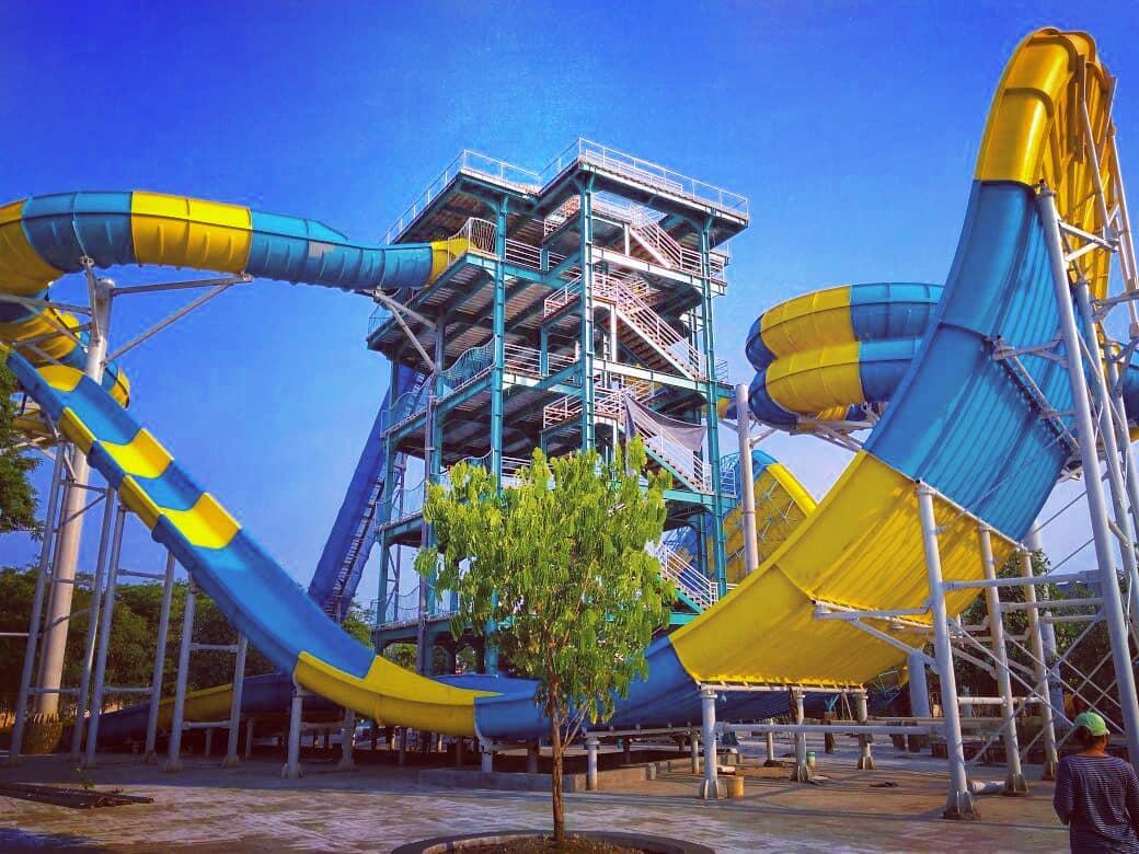 Piknikyok Wahana Tiket Masuk Atlantis Land Surabaya Kebun Water Park