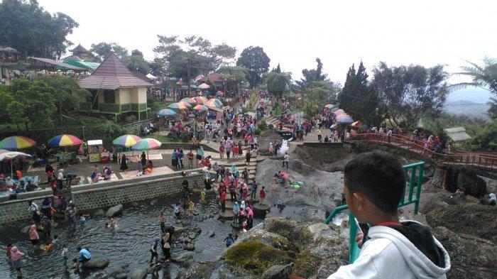Ribuan Padati Lokawisata Baturraden Libur Akhir Pengelola Buat Parkir Alternatif