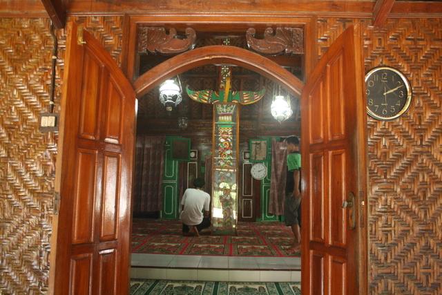 Jejak Akulturasi Budaya Masjid Saka Tunggal Sanggar Pena Desa Pahatan