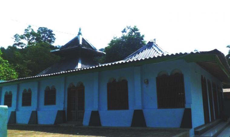 Saka Tunggal Masjid Tertua Indonesia Foto Net Kab Banyumas