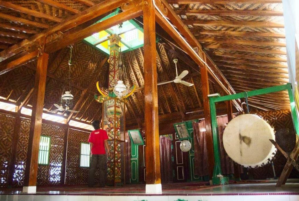 Wisata Sejarah Masjid Saka Tunggal Cikakak Wangon Banyumas Kab