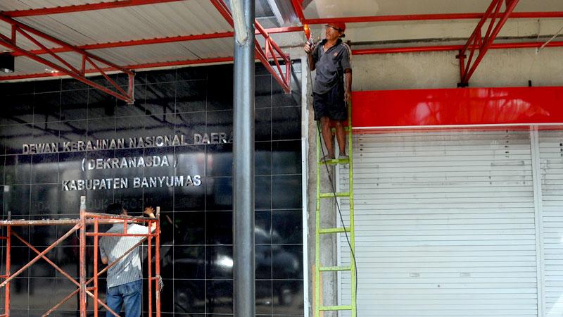 Pembuatan Tempat Berdagang Pkl Jensoed Gedung Pratista Harsa Tinggal Finising