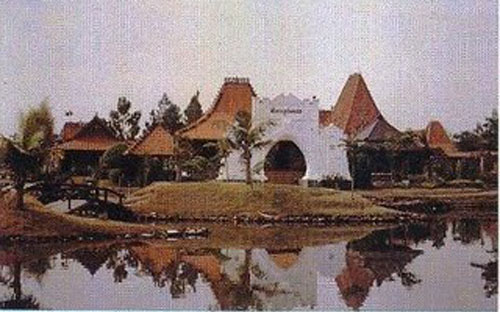 Puri Maerokoco Wikiwand Pemandangan Anjungan Kabupaten Jepara Miniatur Rumah Burung