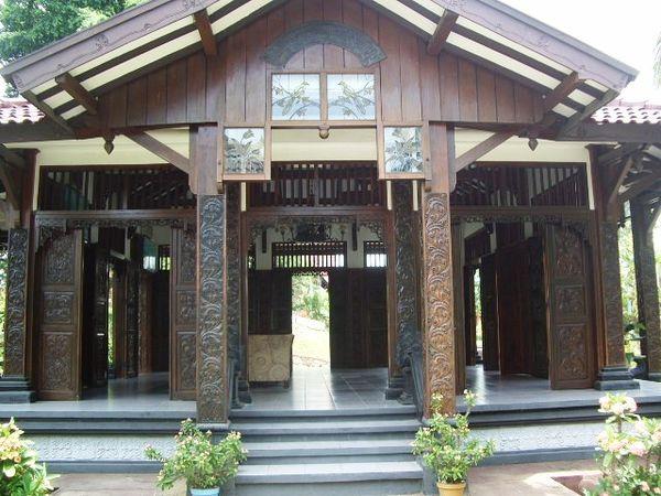 Puri Maerokoco Wikiwand Rumah Adat Kabupaten Semarang Miniatur Burung Raksasa