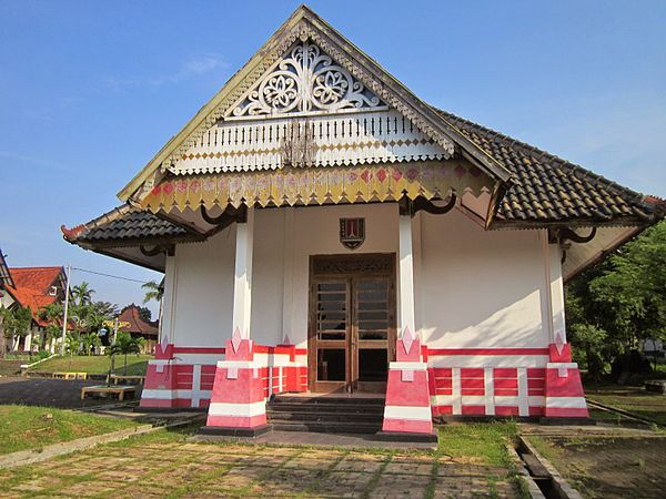 Puri Maerokoco Wikiwand Rumah Adat Kota Semarang Miniatur Burung Raksasa