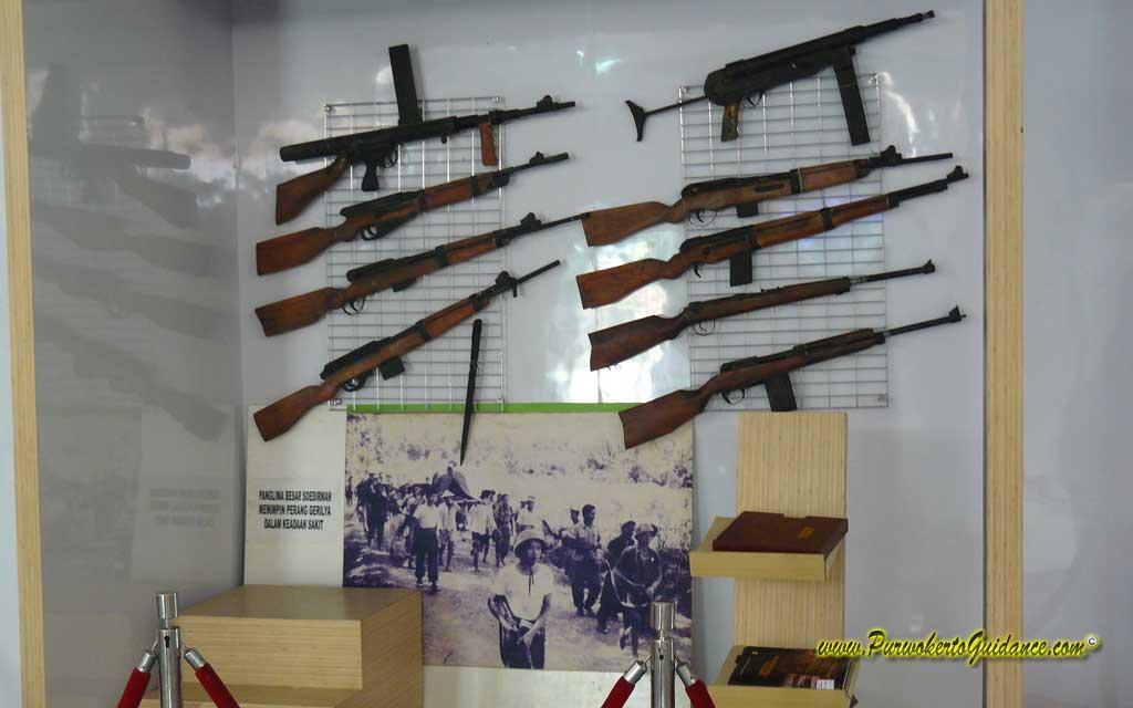 Monumen Museum Panglima Besar Jenderal Soedirman Laman 4 Perlengkapan Persenjataan
