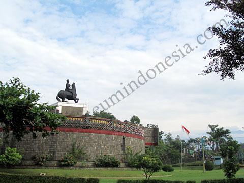 Museumindonesia Monumen Panglima Besar Jenderal Soedirman Ms Slamet Jpg Museum