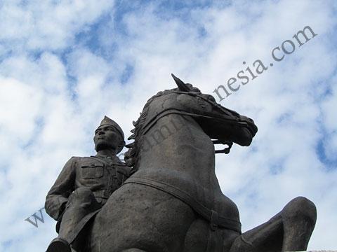 Museumindonesia Monumen Panglima Besar Jenderal Soedirman Patung Sudirman Tertera Musium
