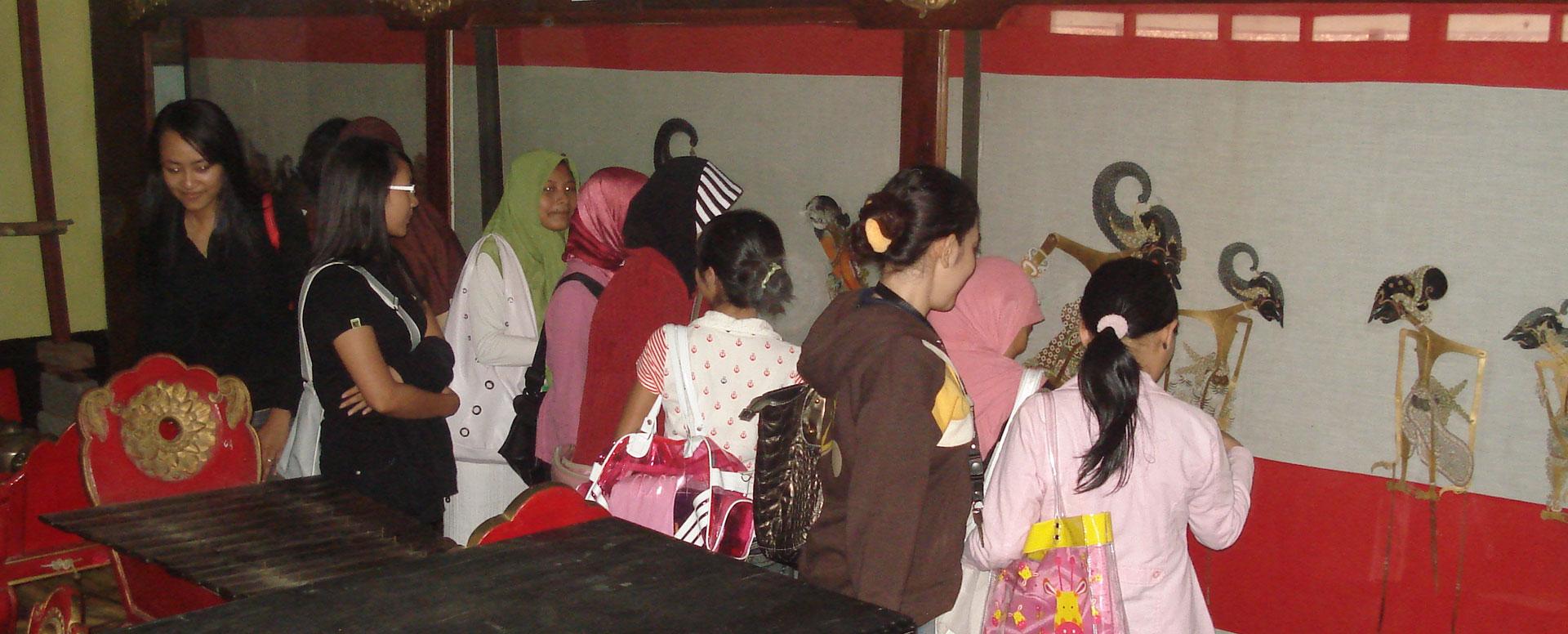 Destinasi Wisata Banyumas Museum Wayang Sendang Mas Sendhang Kab