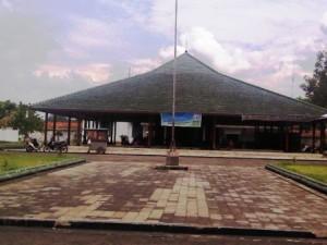 Menikmati Lintasan Sejarah Museum Wayang Sendang Mas Banyumas 13301588112013223813 Sendhang