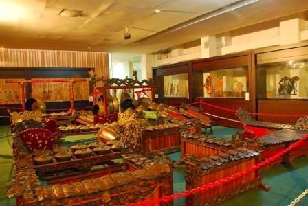 Museum Wayang Sendang Mas Pemerintah Kabupaten Banyumas Sendhang Kab