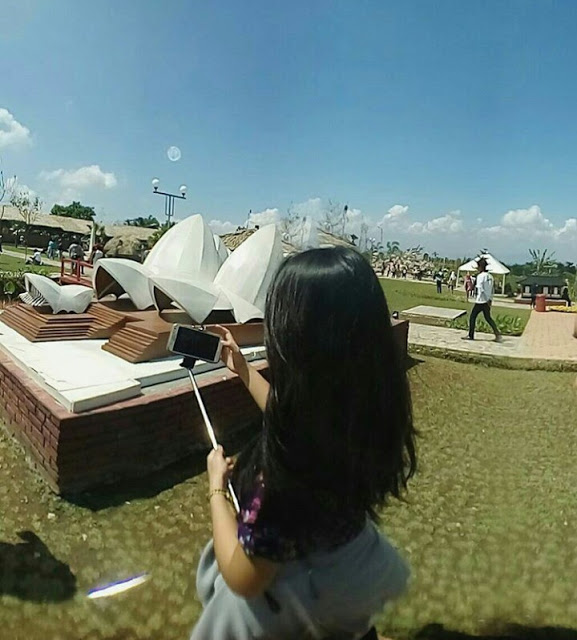 Pesona Taman Small World Baturraden Rendy Andriyanto Berkunjung Miniatur Dunia