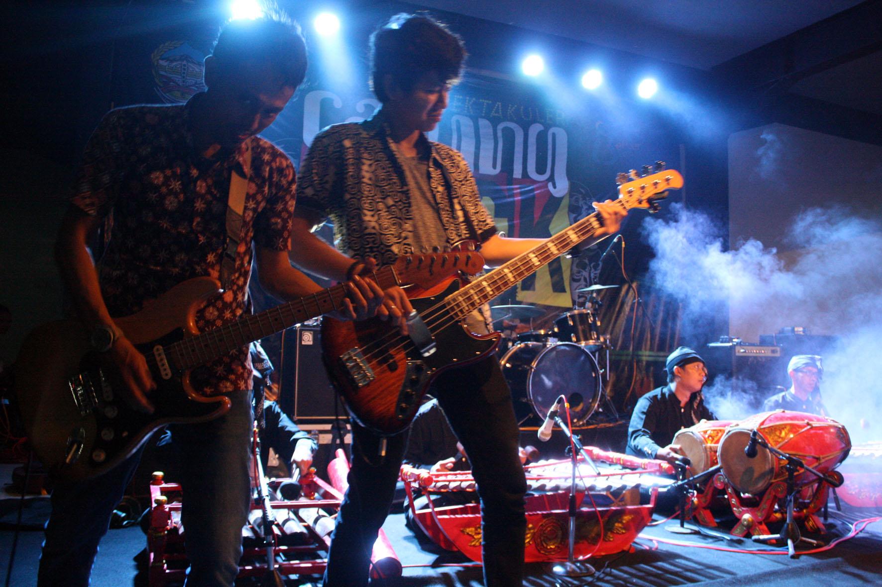 Musisi Muda Purwokerto Suguhkan Kolaborasi Calung Rock Smkn 3 Banyumas