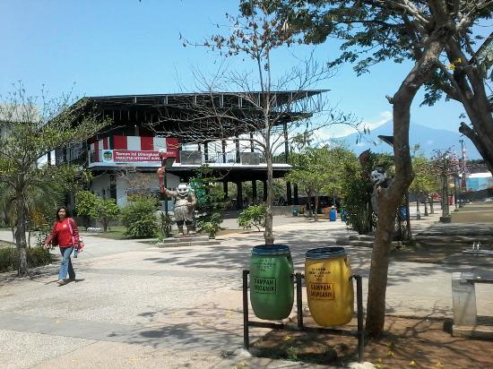 Taman Andhang Pangrenan Diwaktu Malam Picture Park P Bagian Panggung