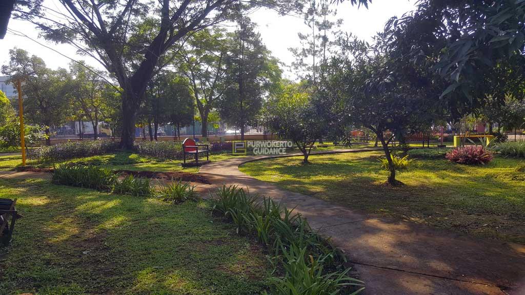 Taman Andhang Pangrenan Purwokerto Guidance Cukup Rindang Berbagai Jenis Pepohonan