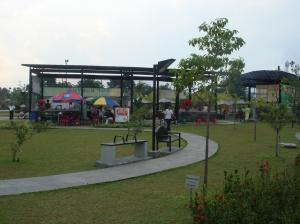 Taman Kota Andhang Pangrenan Purwokerto Klik Food Court Corner Rekreasi