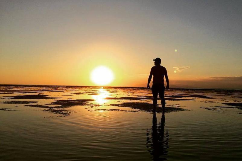 22 Tempat Destinasi Wisata Banyuwangi Hits Berfoto Pantai Plengkung Jembatan