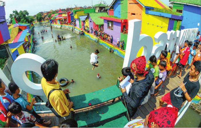 Awas Sungai Kalilo Jadi Virus Lain Banyuwangi Ikut Suasana Meriah